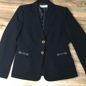 Tahari sz 8 two button blazer with gold accents